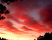 Всё небо в огне, но Боже, как красиво...